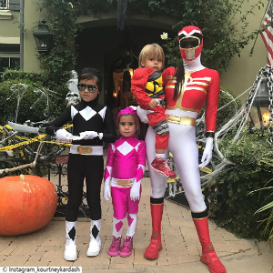 Little Post_Promi Eltern Kourtney Kardashian Powerranger