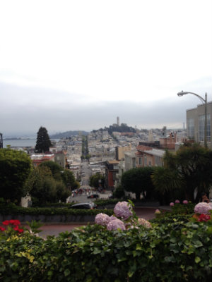 Little Post_Travel Diary San Francisco Lombard Street
